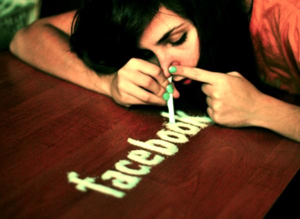 facebook-chiude-15-maggio-2013-tuttacroanca
