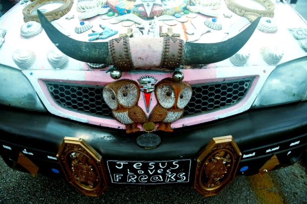 macchina-strana-houston-parade-art-car-tuttacronaca
