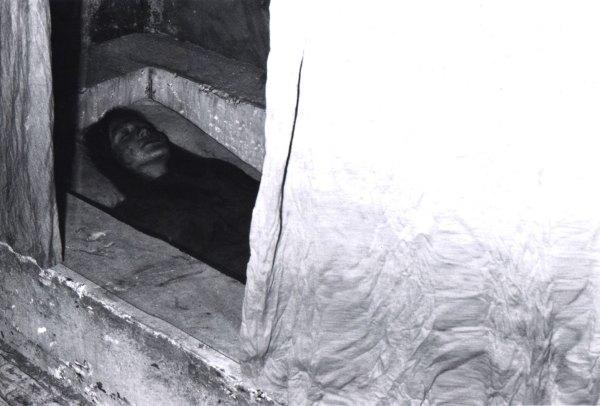 martire adolescente posta sotto l'altare.