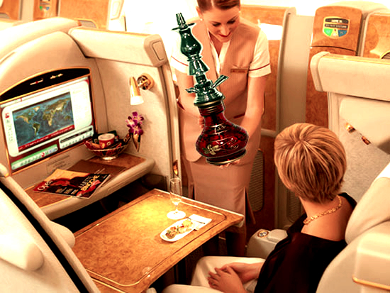 Plush-Shisha-Lounges-from-Emirates-Airlines-tuttacronaca