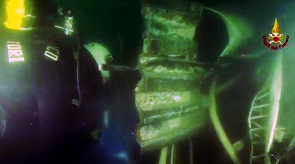 porto-di-genova-sommozzatori-tuttacronaca
