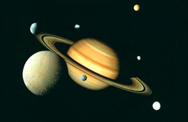 Saturno_occhi su saturno-tuttacronaca
