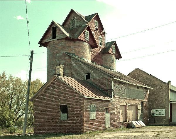 Sun-Prairie-Chase_Grain_Elevator