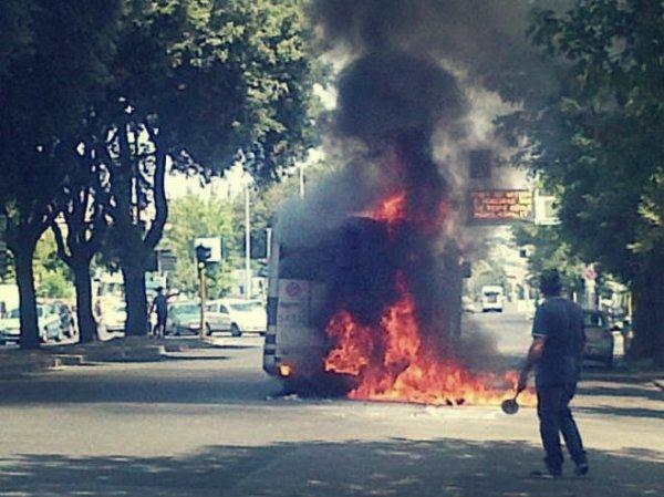 bus_fiamme-roma