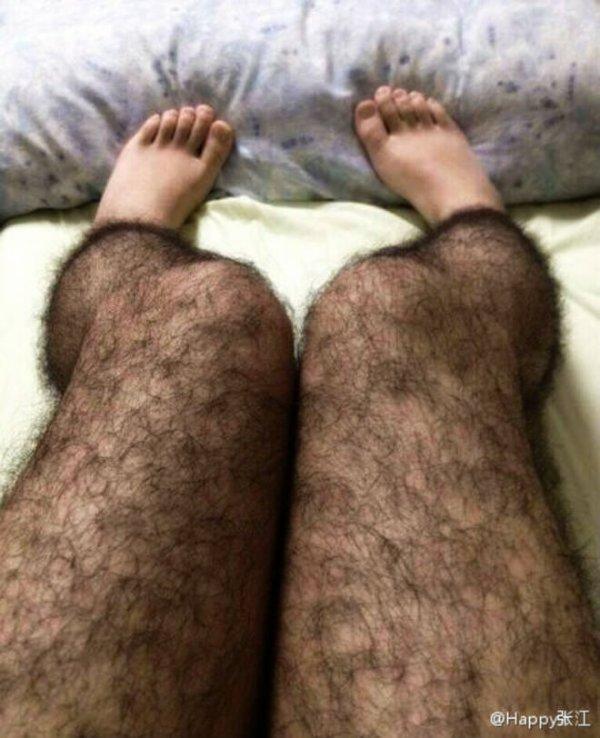 """La nuova trovata cinese: le calze """"pelose""""!"""
