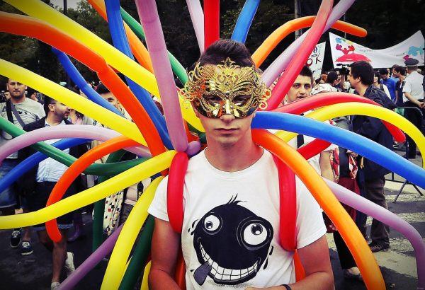 gay-pride-facebook-napoli-2013-tuttacronaca
