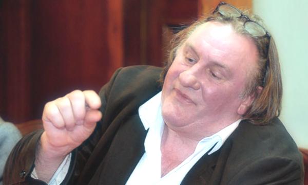 Gerard-Depardieu-tuttacronaca-ferimento-stradale-incidente