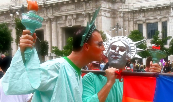 napoli-campania-pride-tuttacronaca
