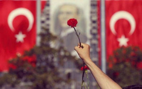 protesta-turchia-garofano