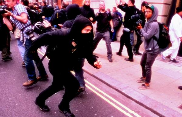 proteste-londra-g8-tuttacronaca