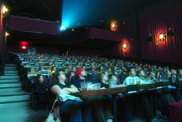 sala-cinematografica-trailer-troppo-lunghi-tuttacronaca