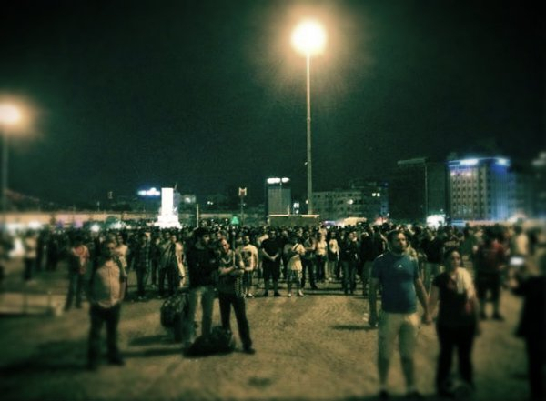 turchia___protesta_standing_men