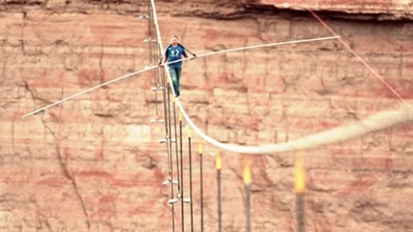 Wallenda-nik-Gran-Canyon-tuttacronaca