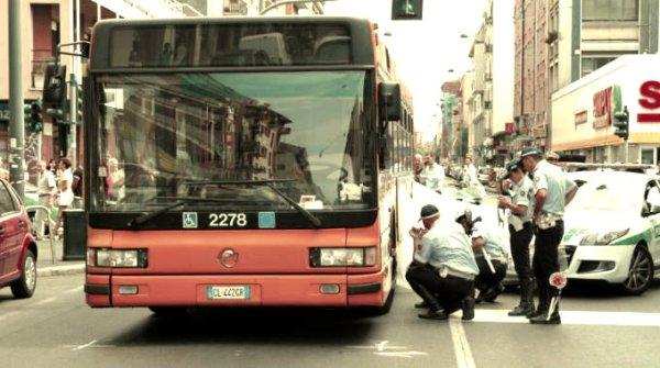 autobus-investe-donna-milano-tuttacronaca