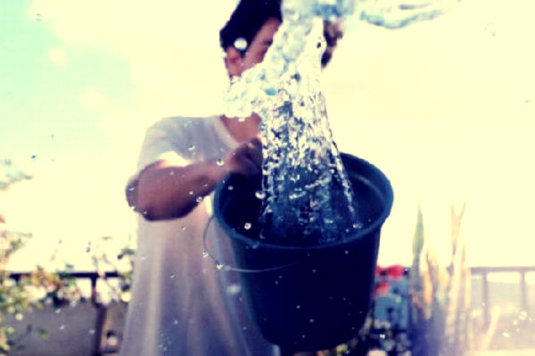 bicchiere-d'acqua-boccea-bambino-tuttacronaca