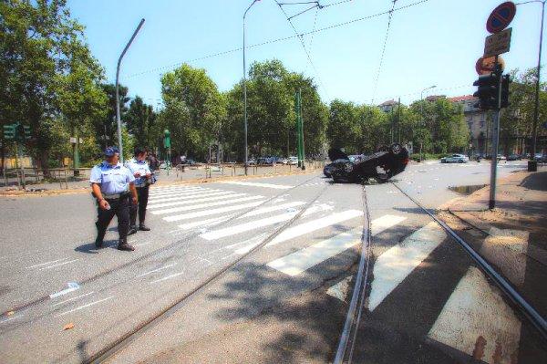 incidente-piazza-firenze-milano-tuttacronaca