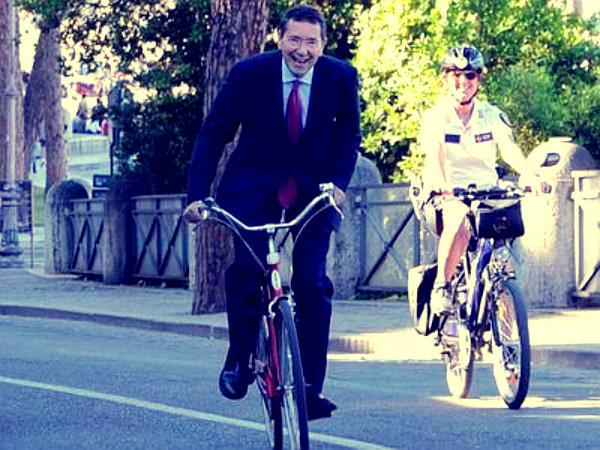 marino-caduta-bicicletta