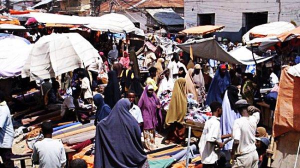 mercato-bakara-mogadiscio-somalia-esplosione-sparatoria-tuttacronaca