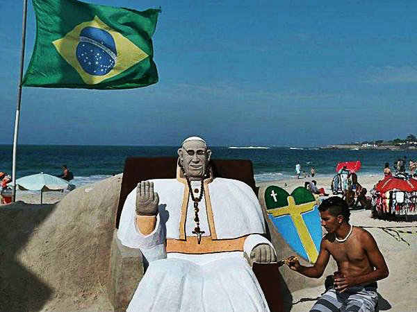 papa-copacabana-tuttacronaca