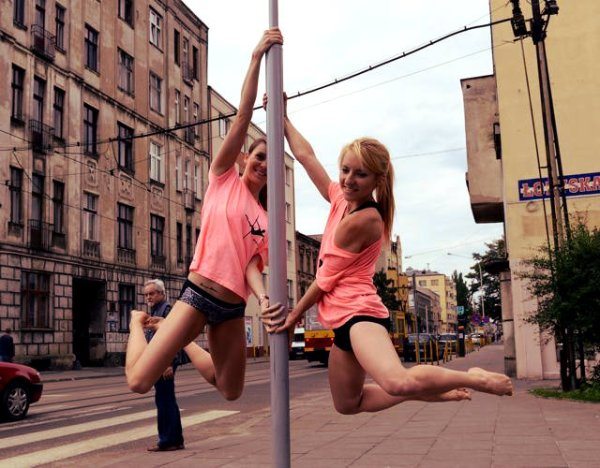 pole-dance-polonia-tuttacronaca