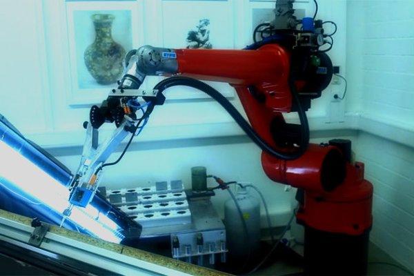 robot-capace-di-dipingere-e-david-painter-tuttacronaca
