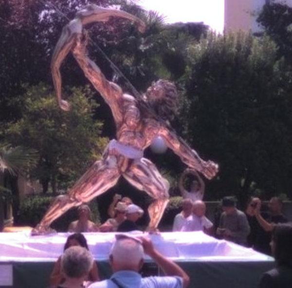 statua-mutande-abano-tuttacronaca
