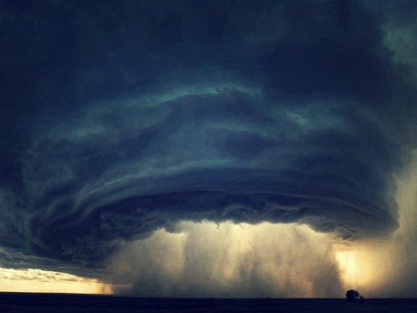 strana-nuvola-haarp-strage-shaped-cloud-tuttacronaca