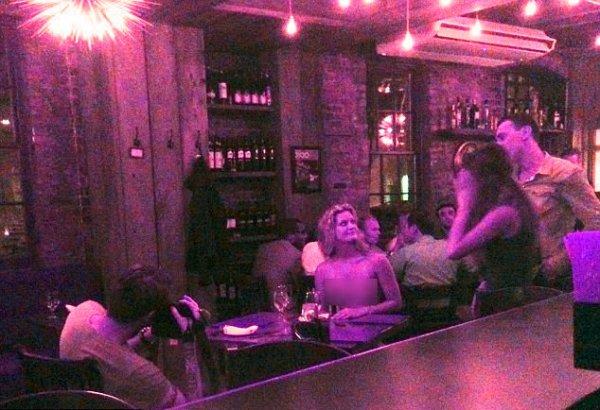 topless-donna-ristorante-tuttacronaca