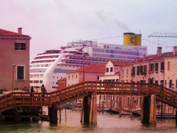 grandi navi-venezia-tuttacronaca-celentano