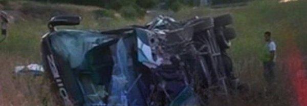 le-bus-est-passe-par-dessus-la-barriere-de-securite-francia-incidente-aude-tuttacronaca