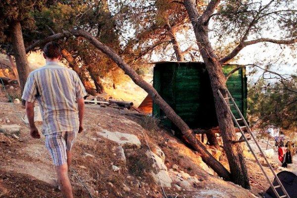 palestinesi-casa-sugli-alberi-tuttacronaca