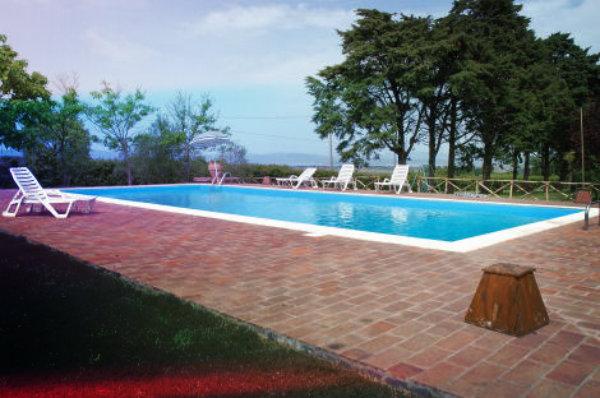 piscina-villa-Osvaldo di Villastrada-agriturismo-uomo-morto-in-piscina-tuttacronaca