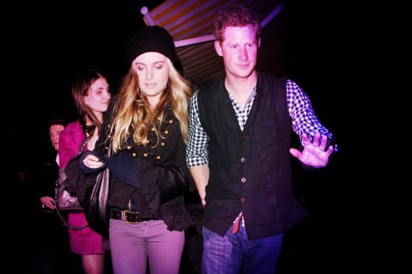 Prince Harry and Cressida Bonas-safari-africa-tuttacronaca