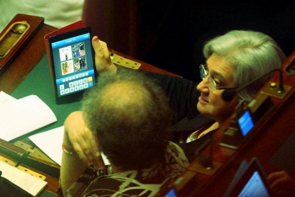 rosy-bindi-tablet-decreto-lavoro-tuttacronaca