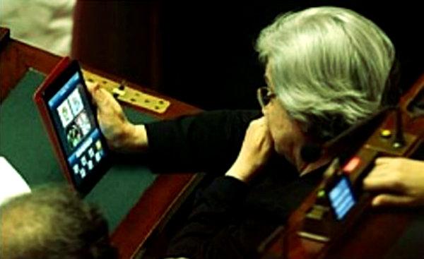 rosy-bindi-tablet-tuttacronaca-decreto-lavoro