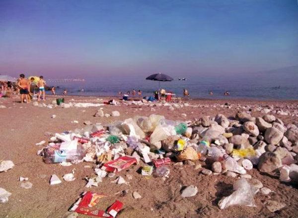 spiagge-rifiuti-tuttacronaca