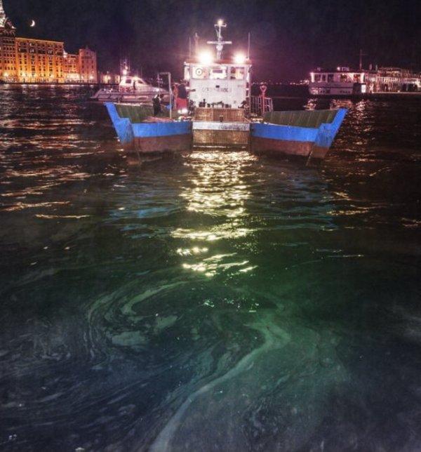 sversamento-idrocarburi-venezia-canale-giudecca-tuttacronaca