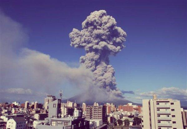 vulcano-Sakurajima-video-tuttacronaca-eruzione