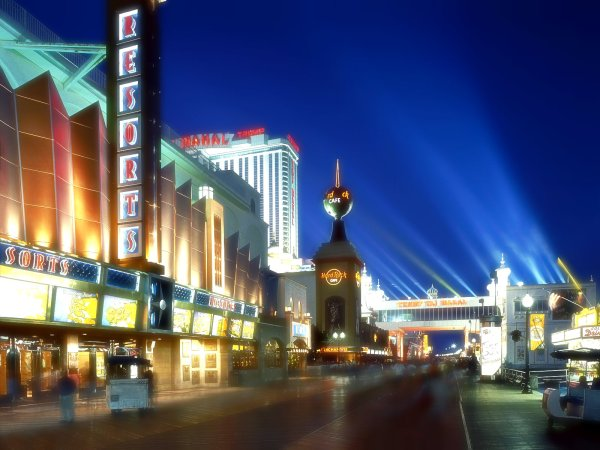 Boardwalk Casinos at Dusk, Atlantic City, New Jersey-fiamme-incedio-fuoco-tuttacronaca