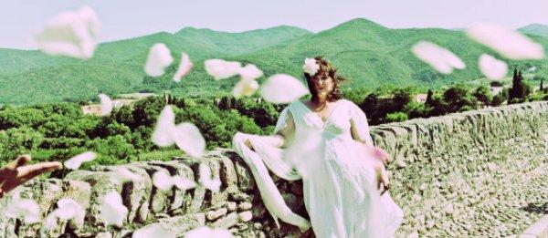 donna-sposa-ponte-tuttacronaca