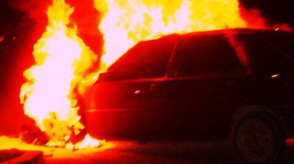 incendio-auto-fiamme-cadavere-carbonizzato-pompei-tuttacronaca