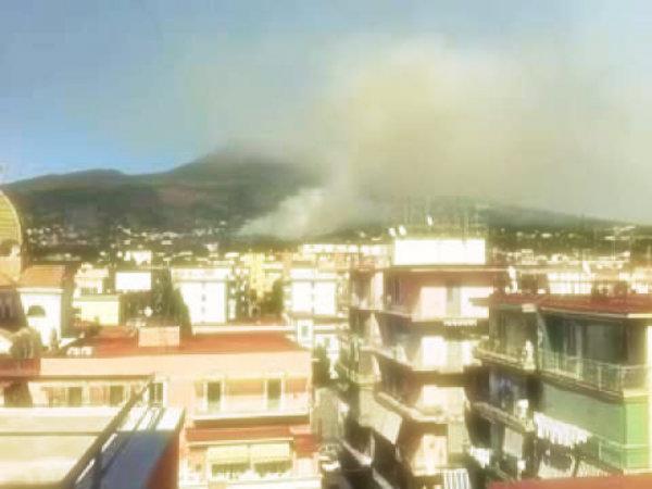 incendio-parco-del-vesuvio-tuttacronaca