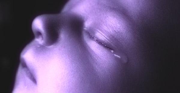 neonato-picchiato-palermo-tuttacronaca