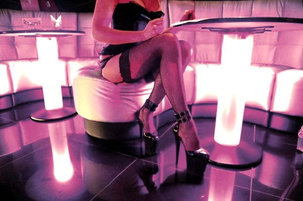 prostituzione_locale_luci_rosse-tuttacronaca