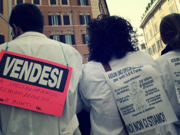 protesta-dei-medici-specializzandi-tuttacronaca