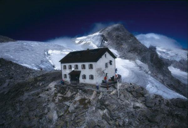 Schwarzensteinhütte-tuttacronaca
