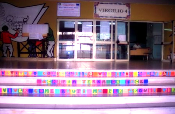 scuola-scalinata-scampia-tuttacronaca