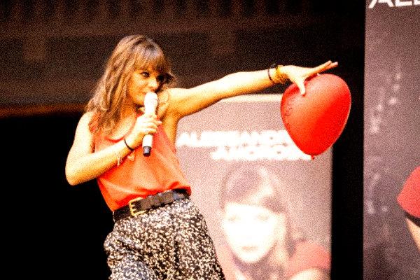 Alessandra-Amoroso-domenica in-tuttacronaca