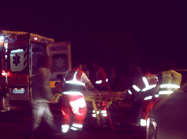 ambulanza-notte-milano-testicoli-pittbull-tuttacronaca