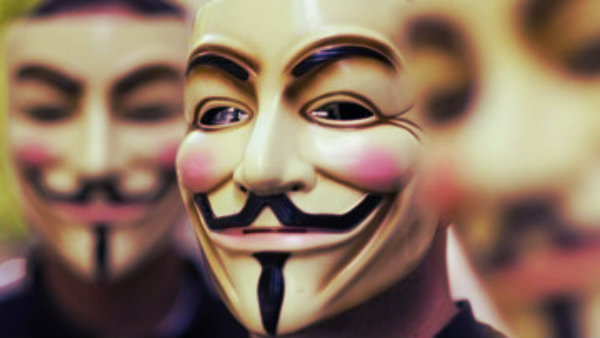 anonymous-mask-tuttacronaca
